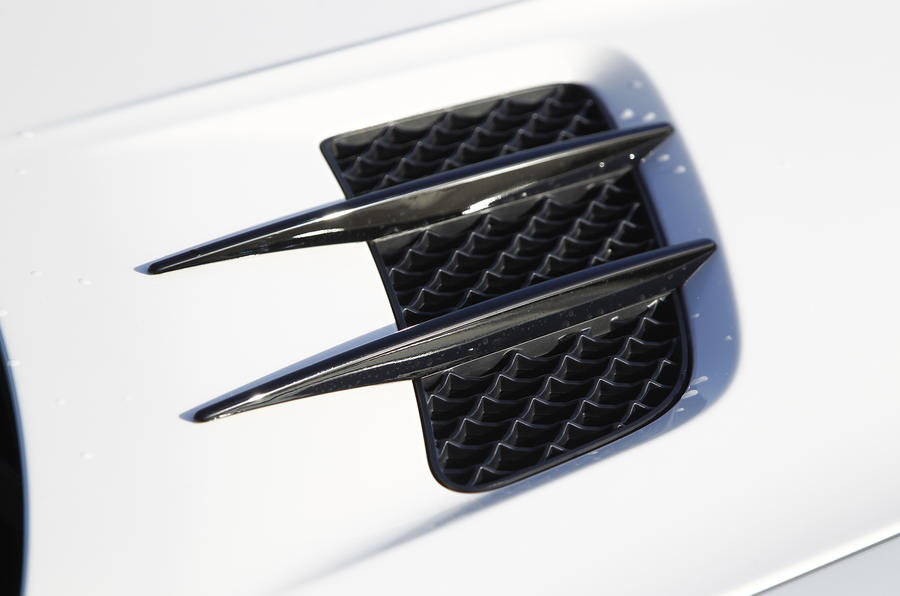 SLS Black Series air vents