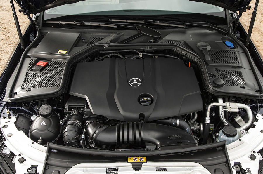 2.0-litre Mercedes-Benz C 250 engine
