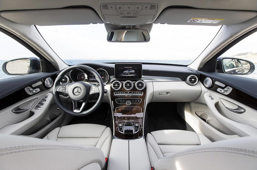 2014 Mercedes-Benz C 250 dashboard