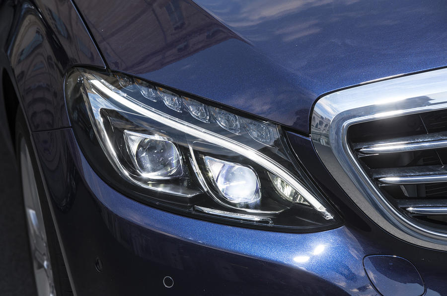 Mercedes-Benz C 250 LED headlights