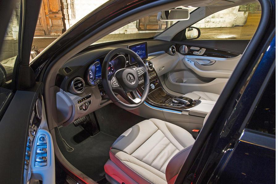 Mercedes-Benz C 250 interior