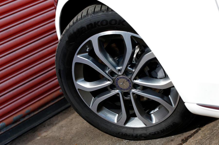Mercedes-Benz C220 Bluetec Sport estate UK first drive review