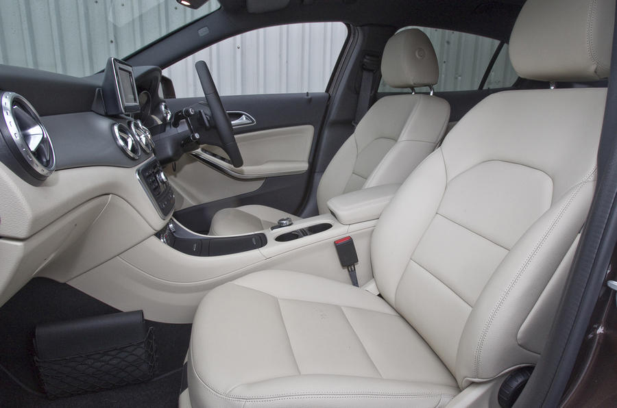 Mercedes-Benz GLA front seats