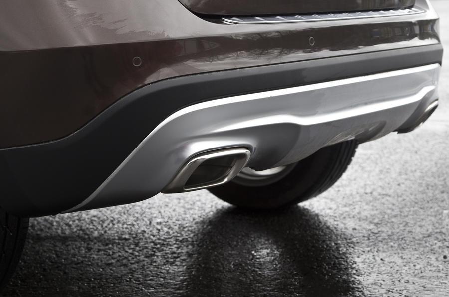 Mercedes-Benz GLA rear apron