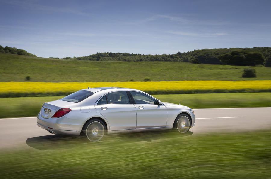 Mercedes-Benz S 500 L rear quarter