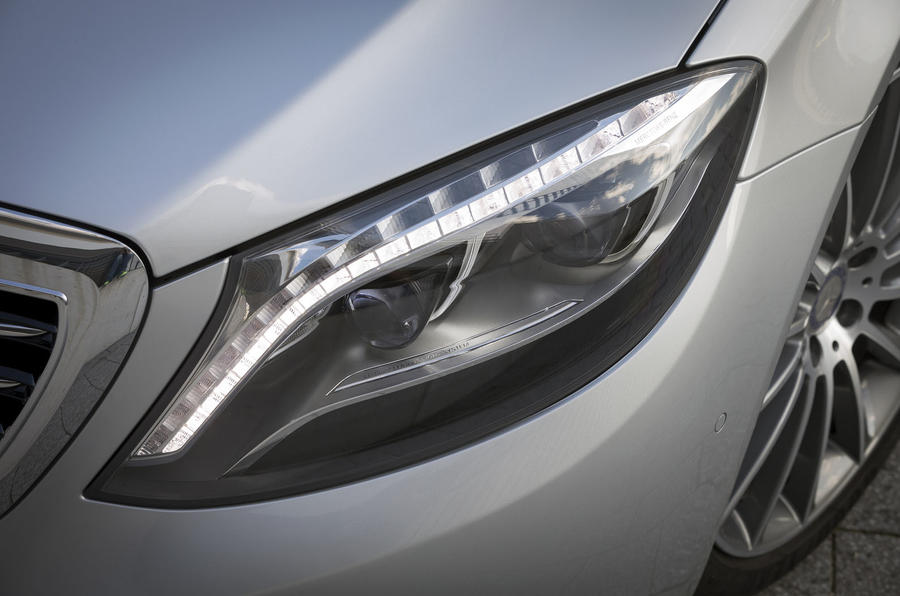 Mercedes-Benz S 500 L headlights