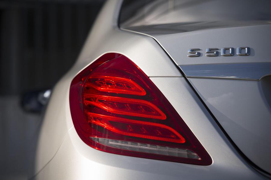 Mercedes-Benz S 500 L rear lights