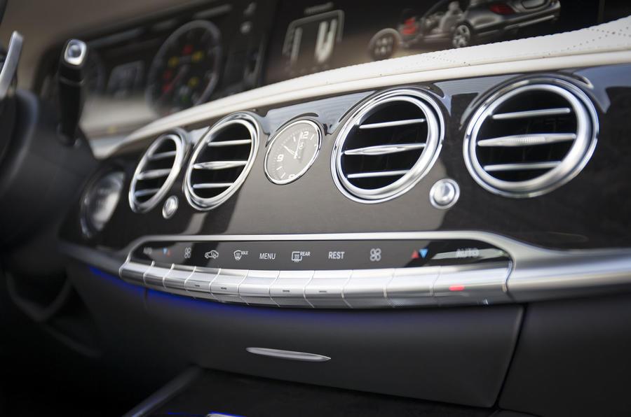 Mercedes-Benz S 500 L centre console