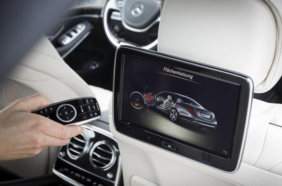 Mercedes-Benz S 500 L rear TV screens
