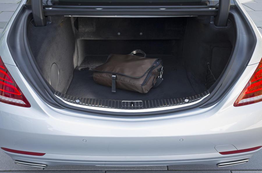 Mercedes-Benz S 500 L boot space