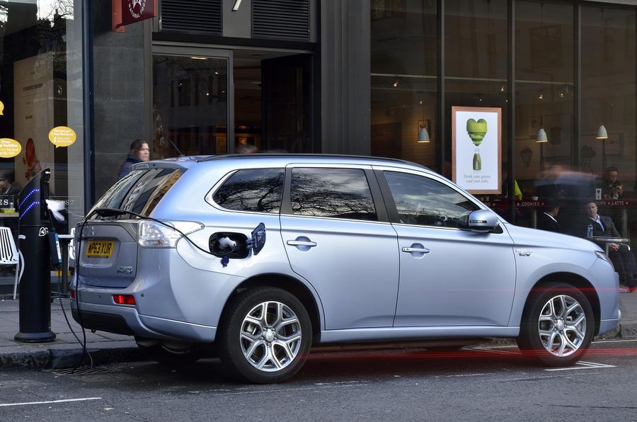 Mitsubishi Outlander PHEV charging up