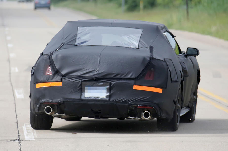 2015 Ford Mustang: latest spy shots