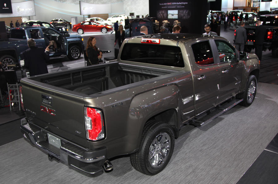 GMC Canyon pickup premieres