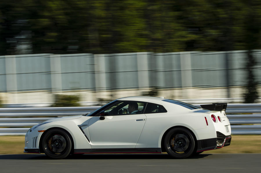 Nissan GT-R Nismo side profile