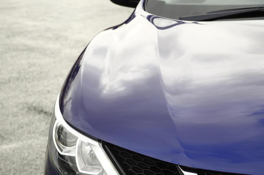 Nissan Qashqai contour lines
