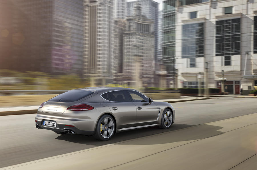 Facelifted Porsche Panamera Turbo S revealed