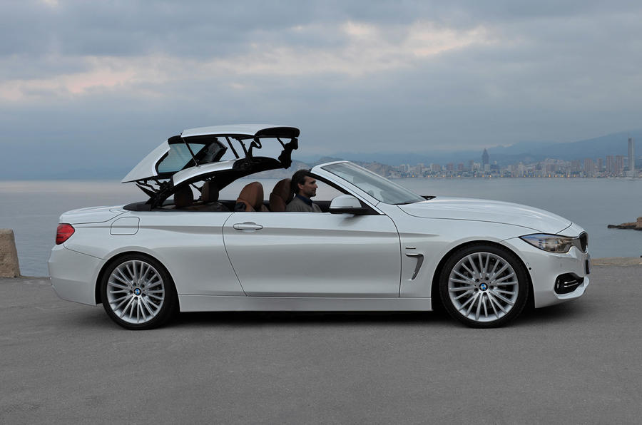 BMW 428i Luxury Convertible roof closing