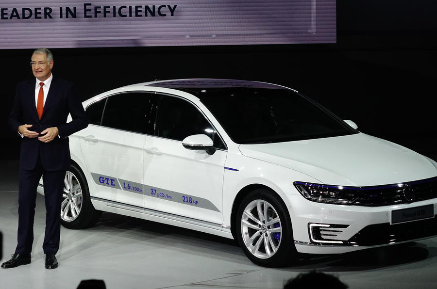 Volkswagen calls the pace of the green technology race into question