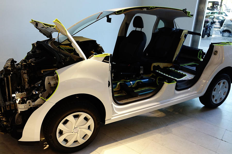 Peugeot 2008 Hybrid Air prototype construction