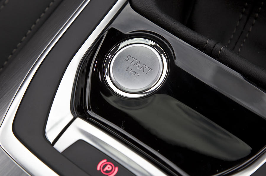 Peugeot 308 ignition button