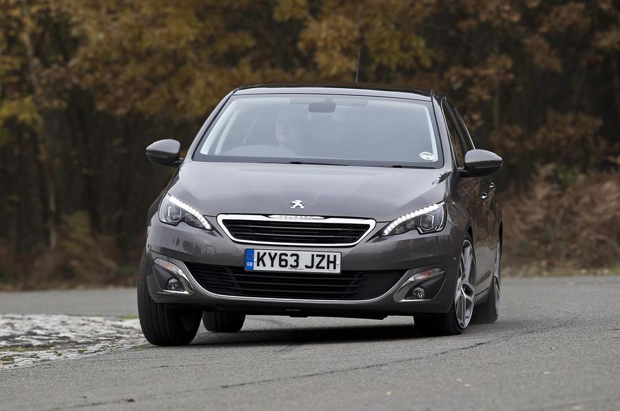 Peugeot 308 cornering