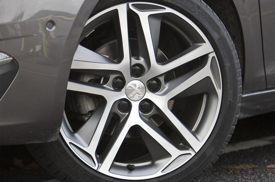 18in Peugeot 308 alloy wheels