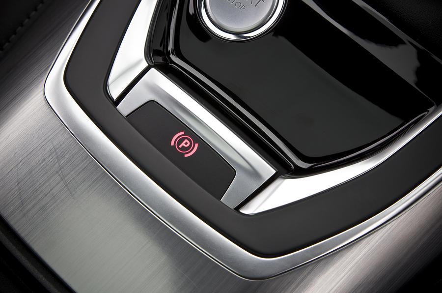 Peugeot 308 electronic parking brake