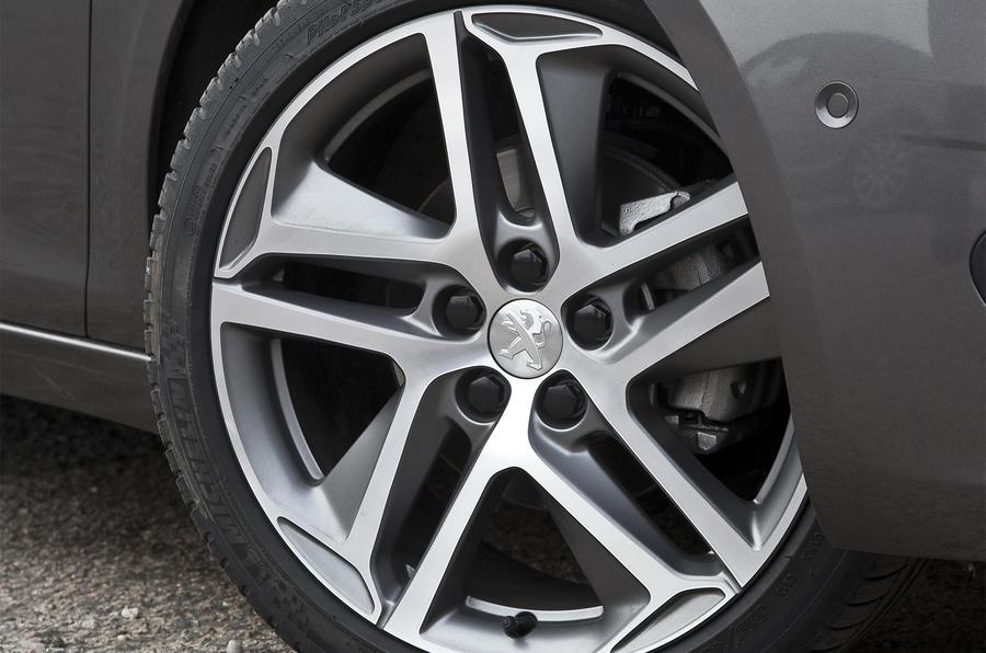 18in Peugeot 308 alloy wheels