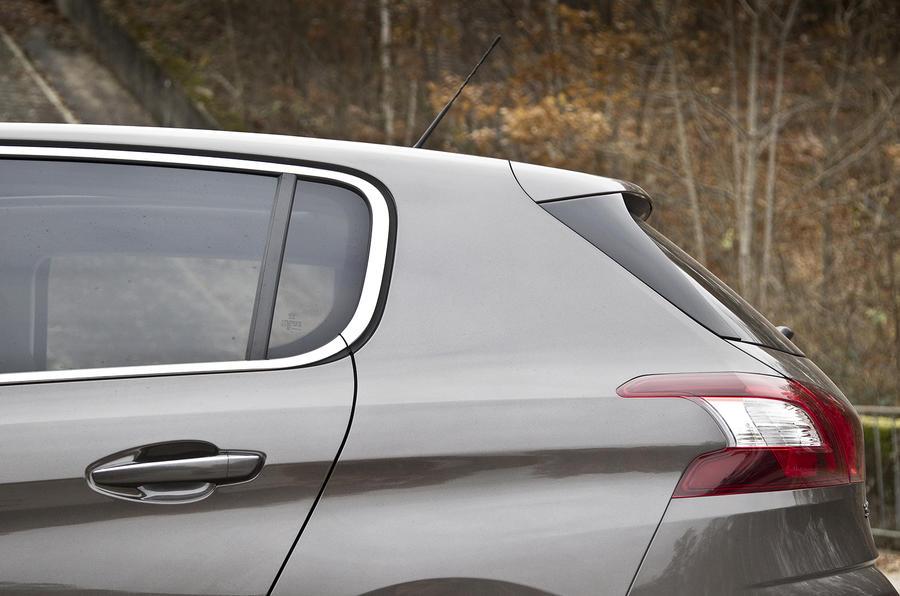 Peugeot 308 rear end
