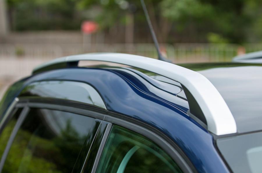 Peugeot 2008 roof rails