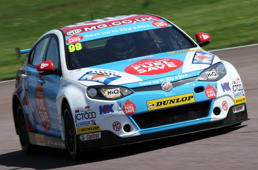Jordan leads BTCC championship after close third round
