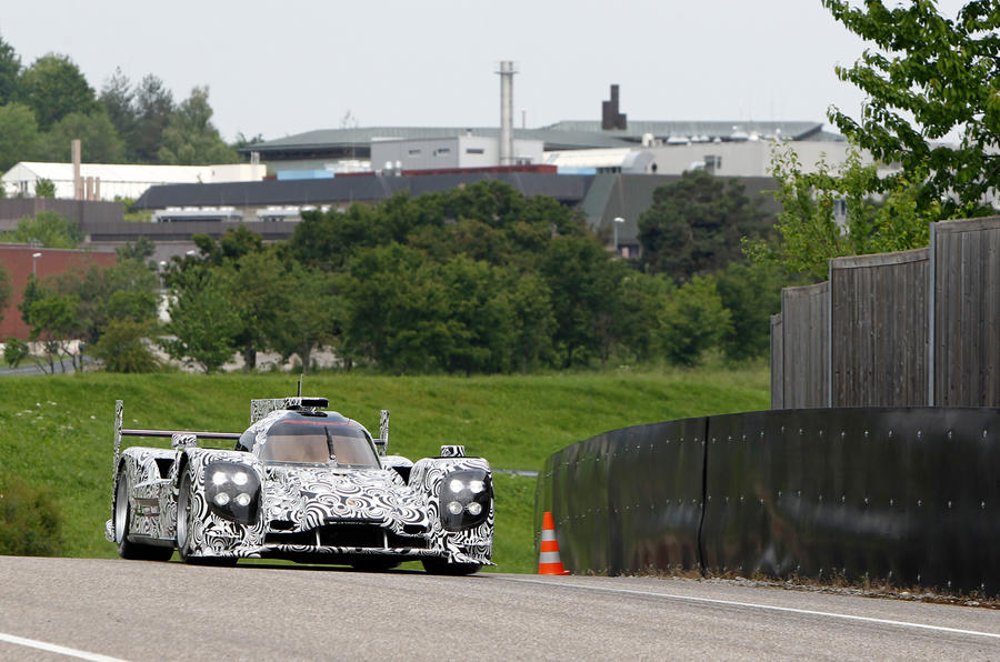 Porsche LMP1 prototype completes first test run