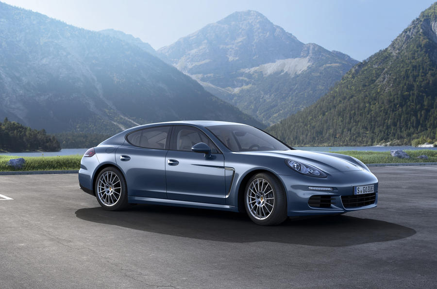 Facelifted Porsche Panamera diesel revealed