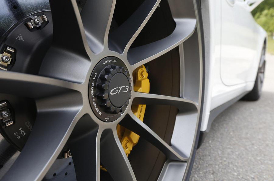 Porsche 911 GT3 magnesium alloys