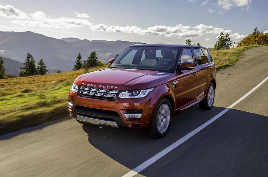Range Rover Sport SDV8 on the road