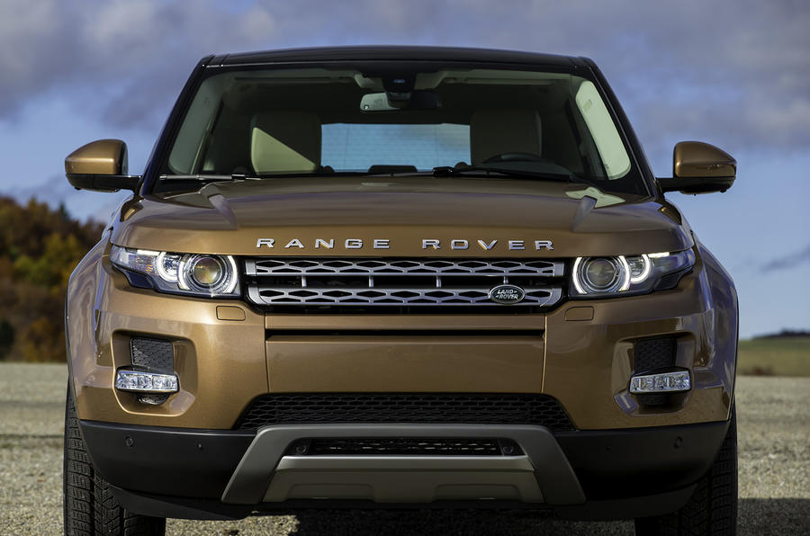 Range Rover Evoque SI4 Dynamic front end