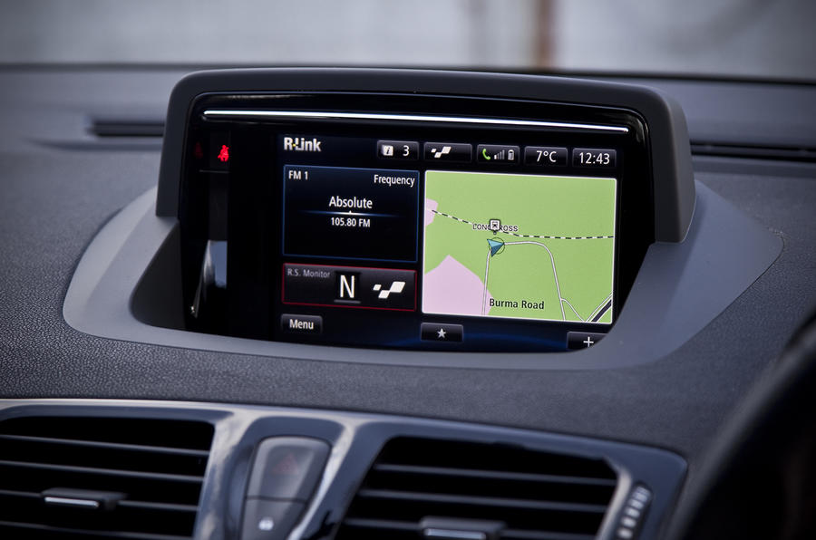 Renault Megane RS infotainment system