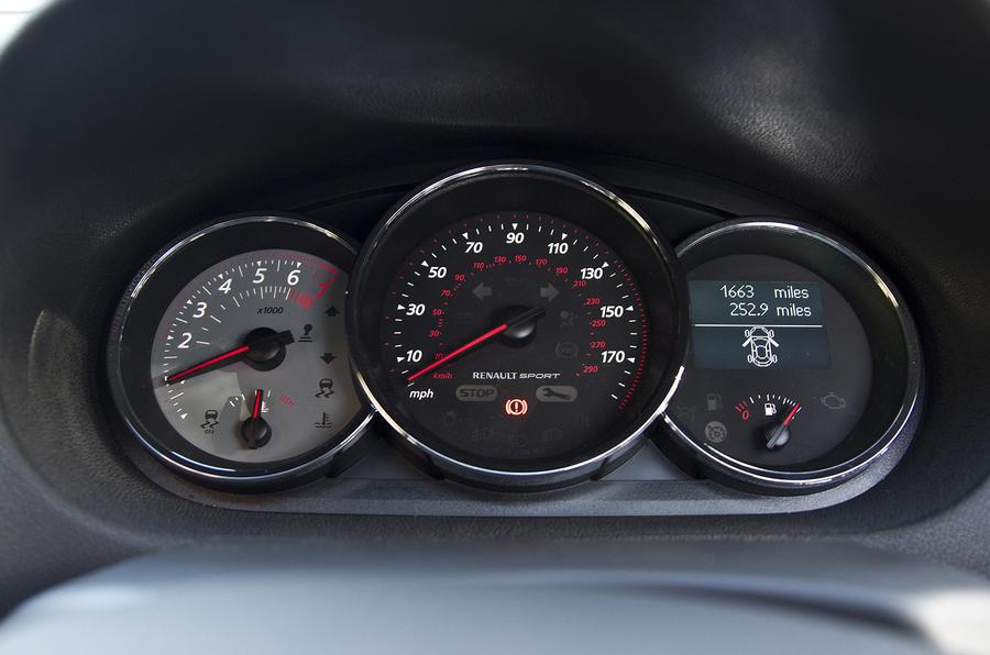 Renault Megane RS instrument cluster