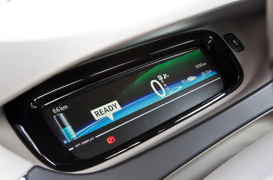Renault Zoe digital instrument cluster