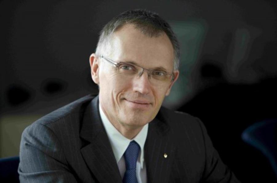 Former Renault boss Tavares joins Peugeot