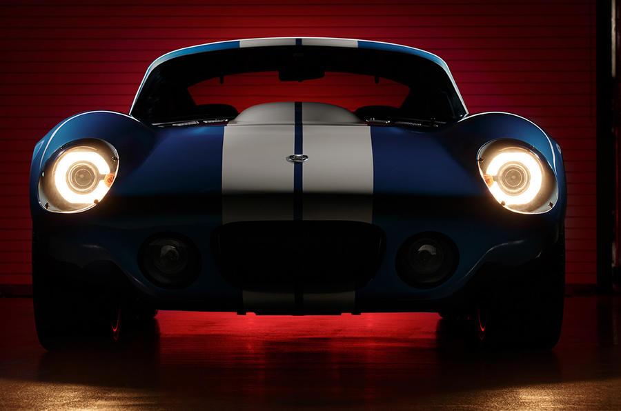 Renovo Motors shows all-electric coupé at Pebble Beach