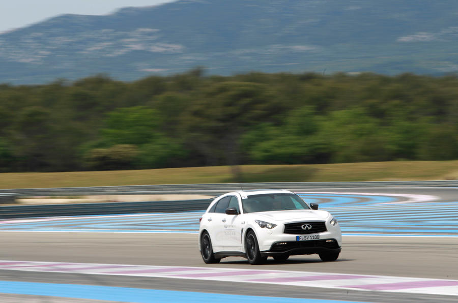 Sebastian Vettel helps Infiniti develop latest models