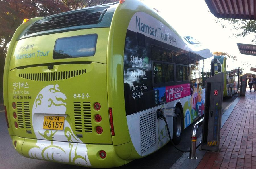 Planes, coaches and automobiles in Seoul's sprawl