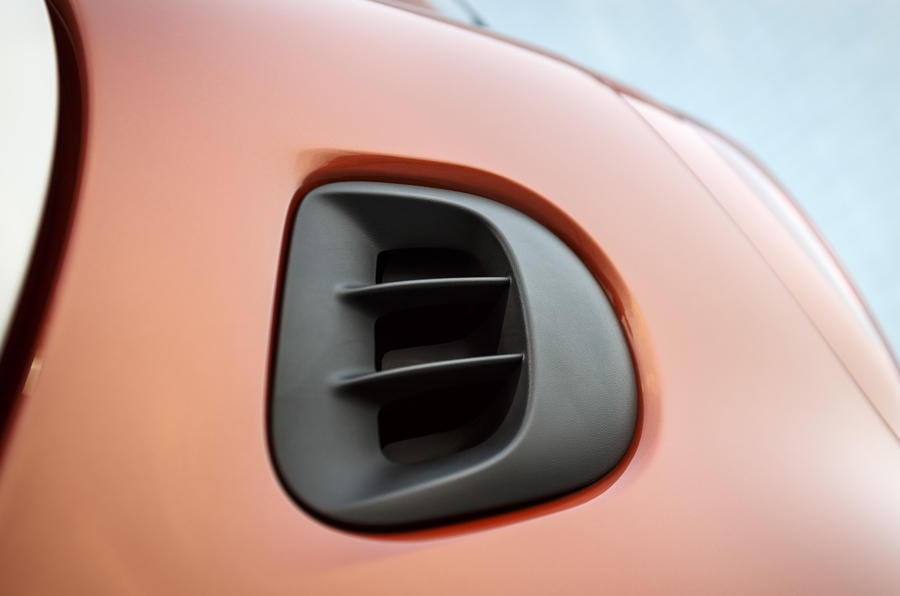 Smart Fortwo air scoop