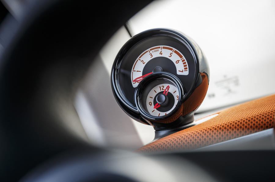 Smart Fortwo rev counter