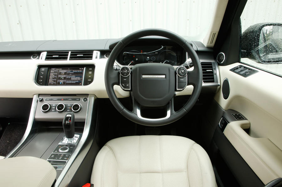 Land rover range rover sport interior autocar for Interior range rover