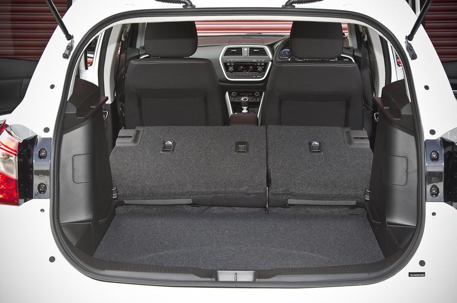Suzuki S-Cross seat flexibility