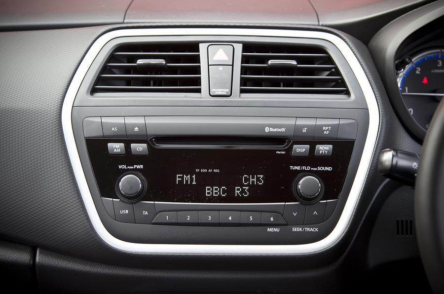 Suzuki S-Cross infotainment system