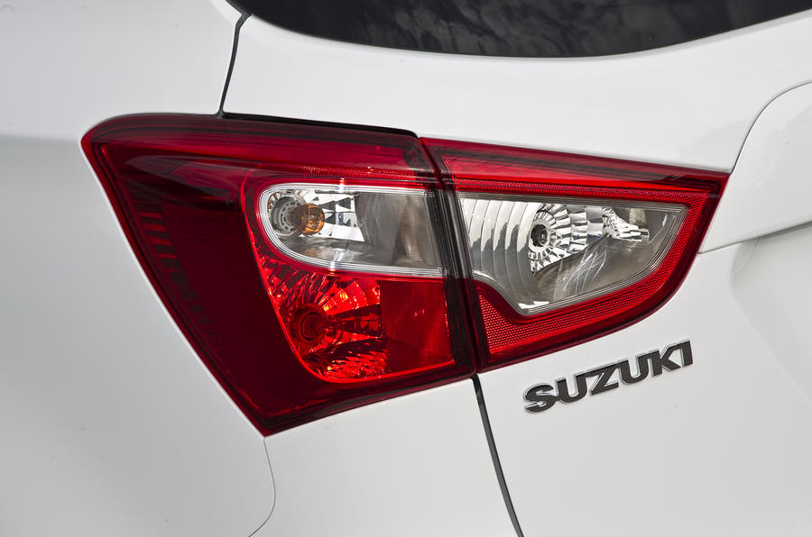 Suzuki S-Cross rear lights