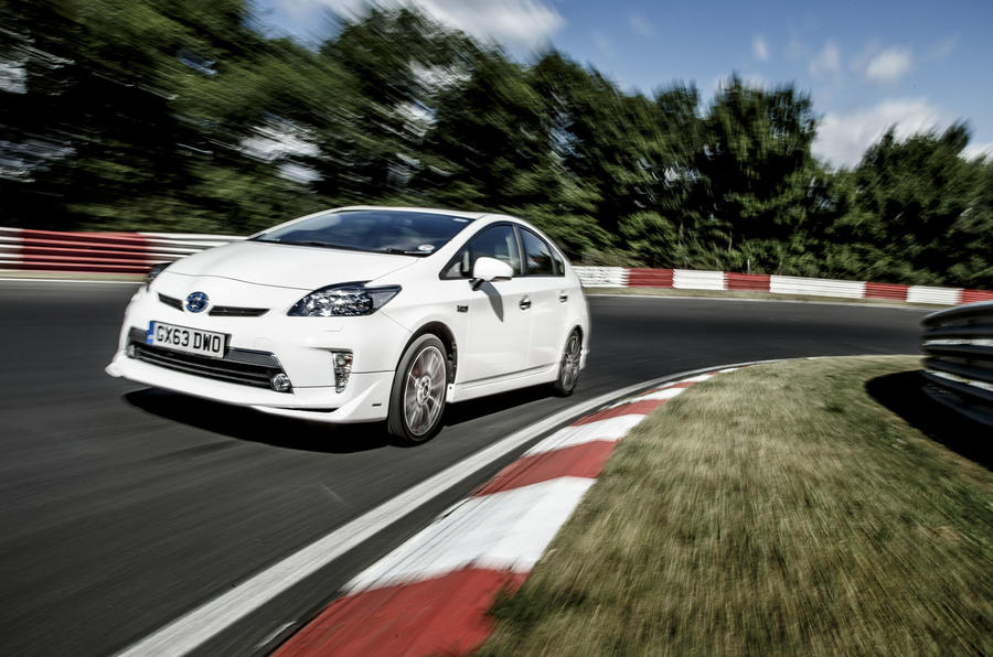 Toyota Prius Plug-in hybrid records 698mpg Nurburgring lap
